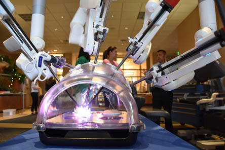 Da Vinci Robotic Surgery System At St Luke S